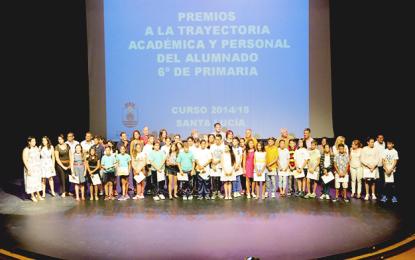 El Ayuntamiento premia a 34 alumnos de 6º de Primaria por su trayectoria académica y personal