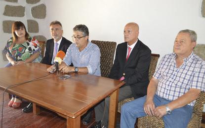 El Ayuntamiento de Ingenio entrega a la Federación Regional de Lucha las llaves de la Casa de Postas