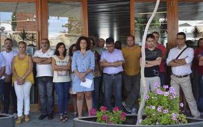 Ingenio guarda un minuto de silencio por la mujer asesinada en La Palma