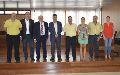 Ayuntamiento de Ingenio y Cabildo de Gran Canaria estudian mejorar la situación del transporte en la villa