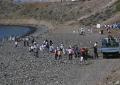 Cerca de un centenar de voluntarios participaron  en la limpieza de Bahía de Formas