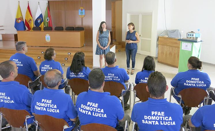 ENTREGA CERTIFICADOS DOMOTICA INMOTICA PFAE ESCUELA TALLER 2