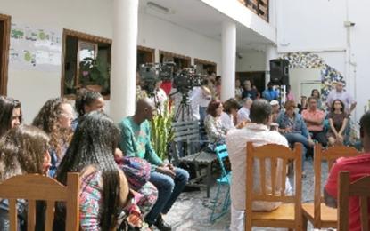 El pleno corporativo de Santa Lucía aprueba una declaración institucional en solidaridad con los refugiados