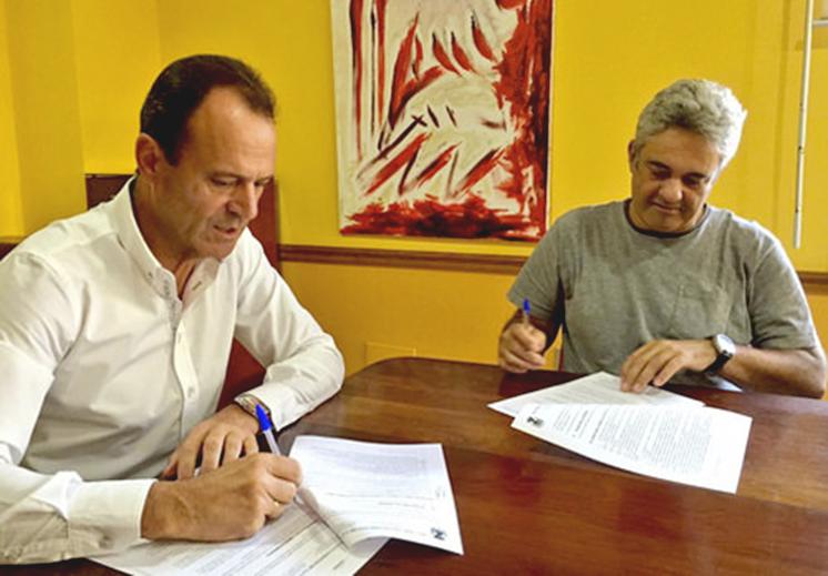 FIRMA CONVENIO CENTRO ADULTOS - OCTUBRE 2015
