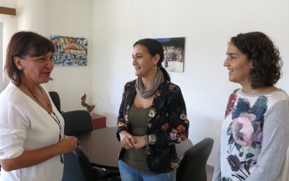 La alcaldesa pide a la directora de Política Social un modelo más actualizado y eficaz para la PCI
