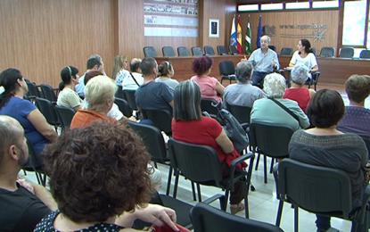 El Ayuntamiento de Ingenio celebra un encuentro con los artesanos, artesanas y productores de la villa